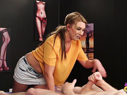Cum fond babe Lola Lee enjoys sucking unearth of a stranger