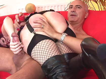Heavy booty MILF acts dominant in merciless fetish
