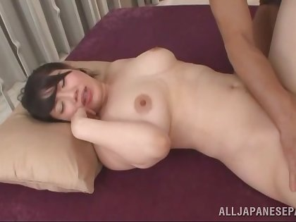 Chubby Asian chick Anna Kishi gets fucked good on the couch